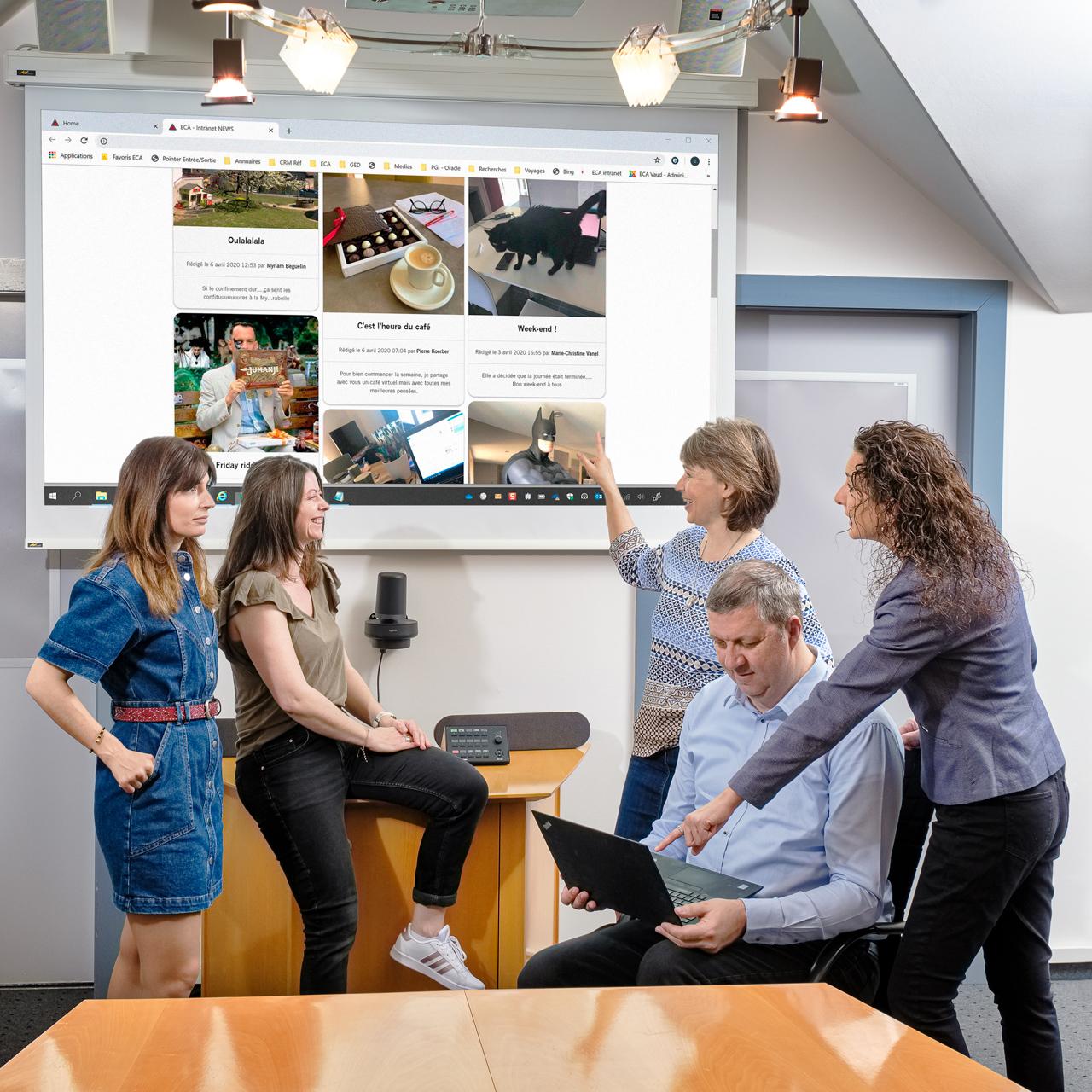 Afin d'avoir des nouvelles des uns et des autres pendant le semi-confinement, le service communication a mis sur pied, avec l'aide de l'équipe web, une plateforme intranet sur laquelle le personnel pouvait faire part de son «quotidien semi-confiné» en images.